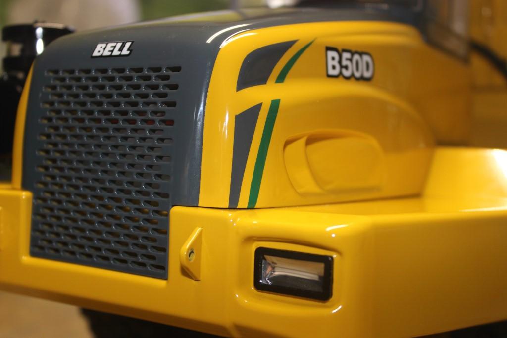 Vario Construction truck build on Vcs Hobbies Custom 1999 Model
