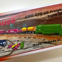 EMD GP8 Green US Freight Train Set