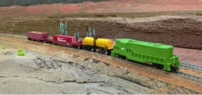 EMD GP8 Green US Freight Train Set Scene